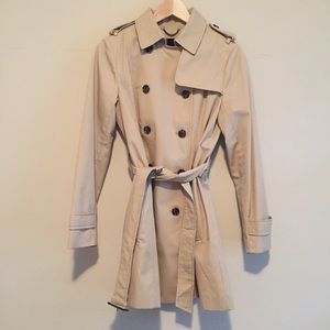 sale   hp • br • classic trench in petite