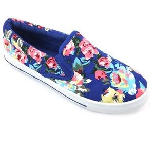 Ositos Shoes - Blue floral slip on shoes