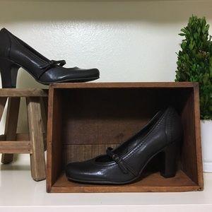 Brand New Antonio Melani leather pumps/heels 7.5m