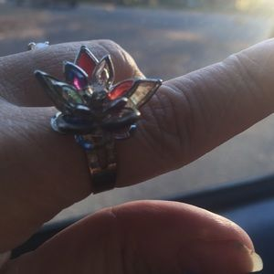 Crystal flower ring mint condition and adjustable