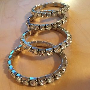 Jewelry - 💎💎💎Rhinestone bangles/bracelets set of 4