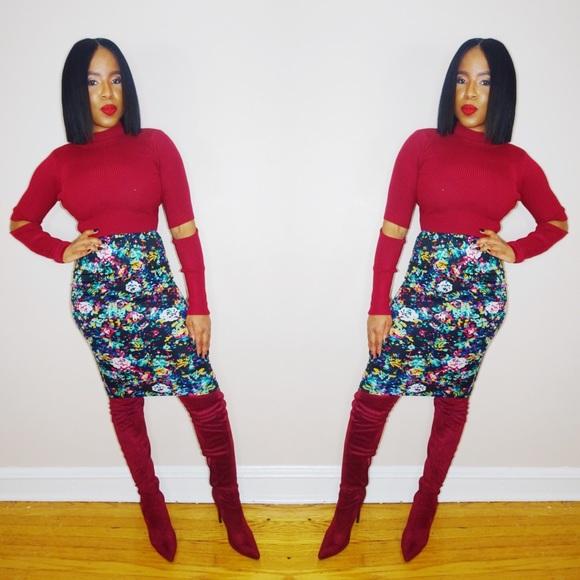 Dresses & Skirts - Floral Pencil Skirt