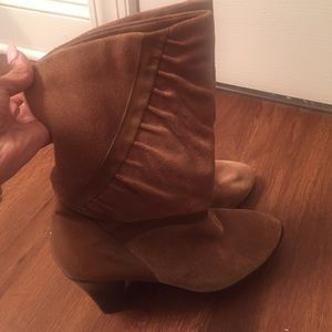 Brown Suede trendy fall boots