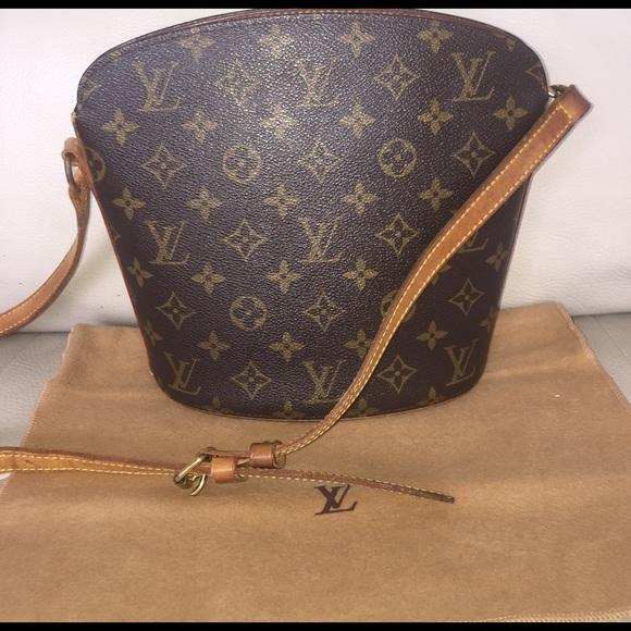 7d677faef699 Louis Vuitton Handbags - 💯Authentic Louis Vuitton Drouot crossbody vintage