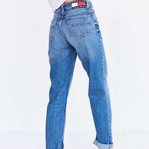 ff6cb66b8 High waisted Tommy Hilfiger jeans. M_5869446241b4e058cd00baf6