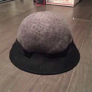 Accessories - Wool bucket hat