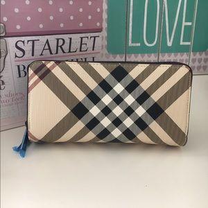 New plaid wallet
