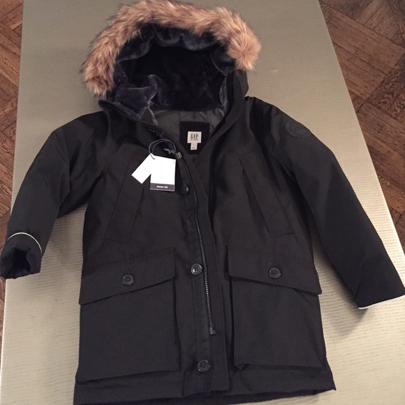 46% off GAP Other - Gap warmest boys down winter coat from Atara's ...