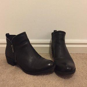 Lucky Brand Shoes - Lucky Brand Bartalino bootie, sz 8