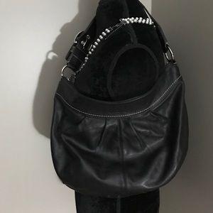 Coach Handbags - Beautiful black coach purse!