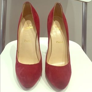 Christian Louboutin Pigalle Suede Pumps. SIZE 39.5