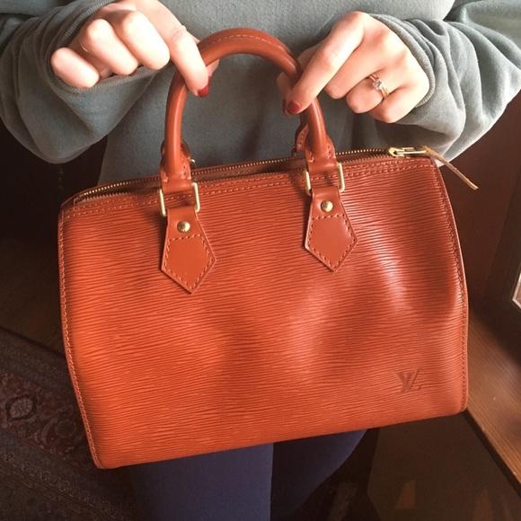 Louis Vuitton Handbags - Vintage Louis Vuitton Speedy 25 efe37ab908861