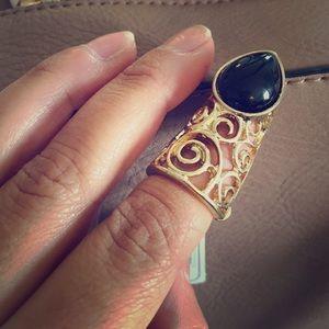 FINGER NAIL RING / gold & black