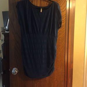 thyme Tops - Dark blue/see through maternity shirt
