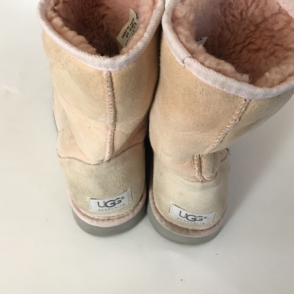 how to keep your uggs clean