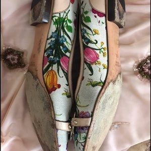 49bb8906e Gucci Shoes | Flora Ballet Flat With Bamboo Bit | Poshmark