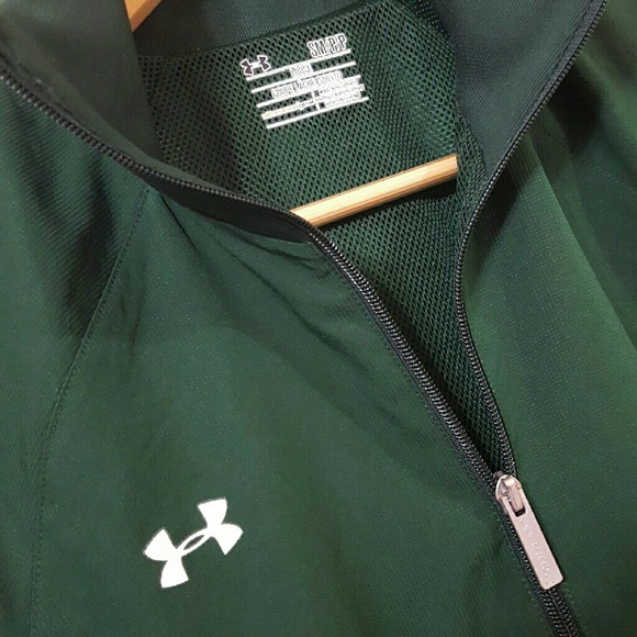 under armour loose coupe lache suelto
