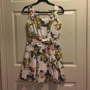 alice moon Dresses & Skirts - Floral Print Dress
