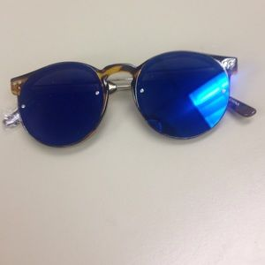 Spitfire Accessories - Authentic sunnies