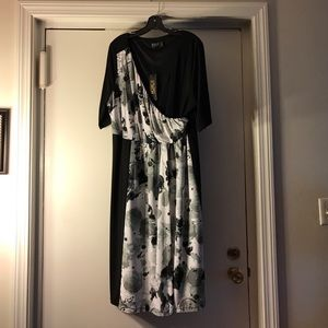 Igigi Dresses & Skirts - NWT Black white and grey Igigi dress 18/20