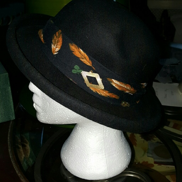 Conte of Florence Accessories - Fab Conte of Florence Italian wool hat