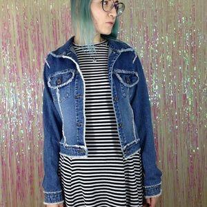 Vintage Jackets & Blazers - Zana 🌟 Di y2k VTG Denim Jean Frayed Jacket