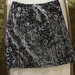 Plus size Nine&Company Black&white floral skirt