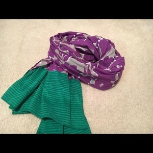 Accessories - Like new scarf