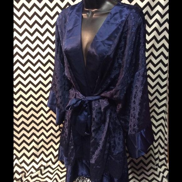 Cacique lingerie robe. M 583508f913302abd030068b3 ad5cea6dc