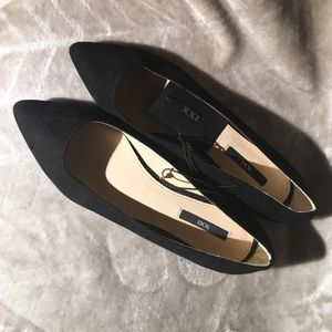 Black Pointed Toe Ballet Flats size 6.5