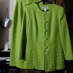 Dresses & Skirts - Spring is HERE! Knee length-Ladies 2pc suit