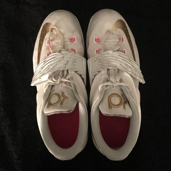 best value 5d5e5 ac9b4 Limited Edition KD angel sneakers. M 5835155041b4e0946400b442