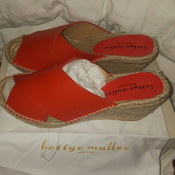 394a1a6dcaa DIJON LEATHER RED CRISS CROSS SANDALS