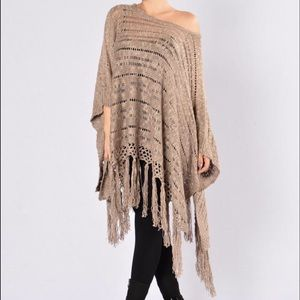 Tops - 💋 On the Fringes Shawl