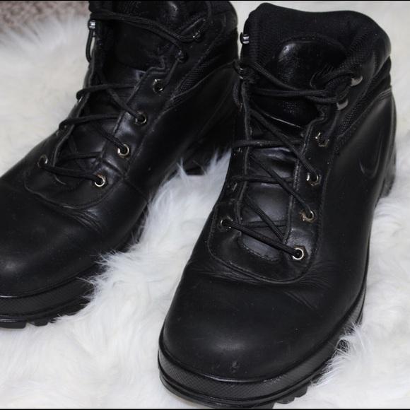Nike ACG combat boots  sneakers 🦃HALF OFF!🦃. M 5835558499086a9c98016509 25831bfbafec
