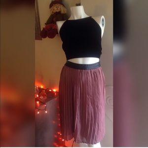 REPOSH- pleated skirt