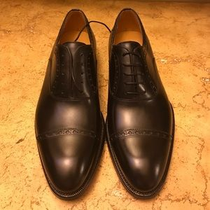 Magnanni Other - Magnanni Black Leather Cap Toe Oxfords