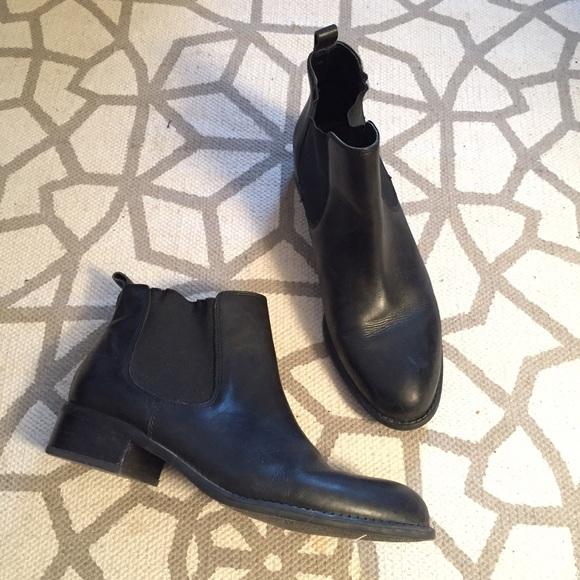 ac0aa3ced902 Franco Sarto Shoes - Franco Sarto Cambridge Black Leather Chelsea Boot