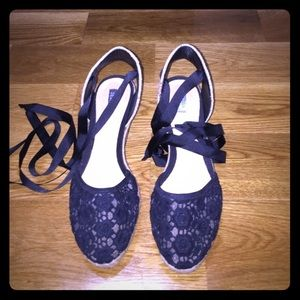 New SChutz lace espadrille wedges