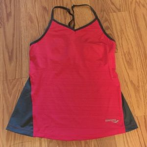 Saucony Tops - NWOT saucony workout tank