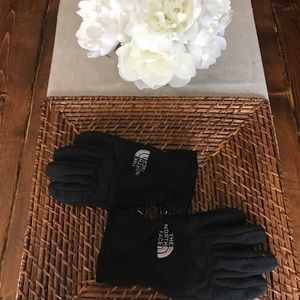 North Face Other - NWOT! Youth North Face Gloves!