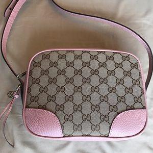 Gucci Handbags - HP🎉 Gucci Crossbody