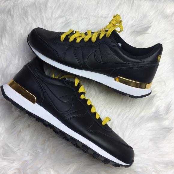 NWT men's Nike id black leather gold sneaker