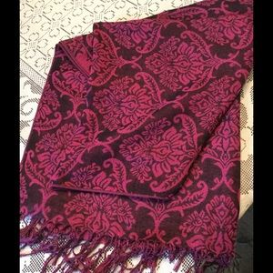 Accessories - Long pink and grey scarf/wrap