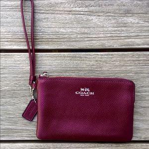 Coach Handbags - Coach Burgundy Crossgrain Leather Wristlet