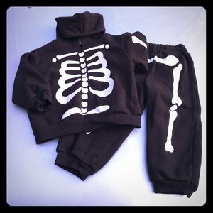 Other - Skeleton sweater and pants