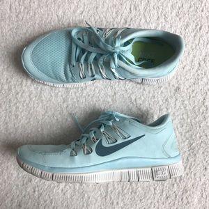 Nike Shoes - 🌸 RARE Glacier Nike Free Runs 5.0