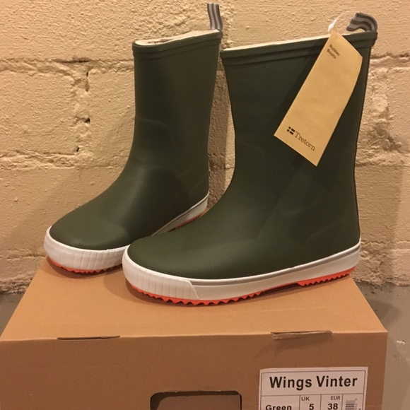 95615267597 NWT Tretorn Wings Rubber Lined Rain Boots