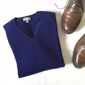 Uniqlo Cashmere V-Neck Purple Sweater