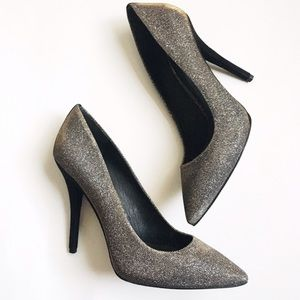 B Brian Atwood Sparkly Desire Pump